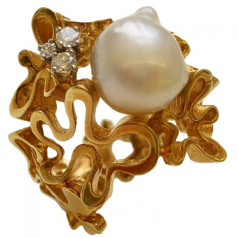 Gilbert_Albert_South_Sea_Pearl_Diamond_Gold_Ring