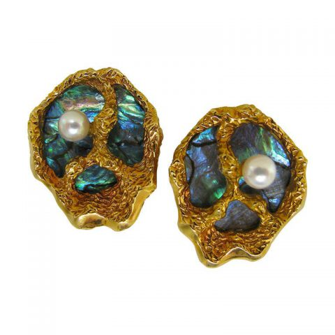 Pearl_Gold_Shell_Ear_Clips